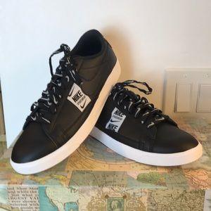 Nike Women's Blazer Low LE Black Sneaker